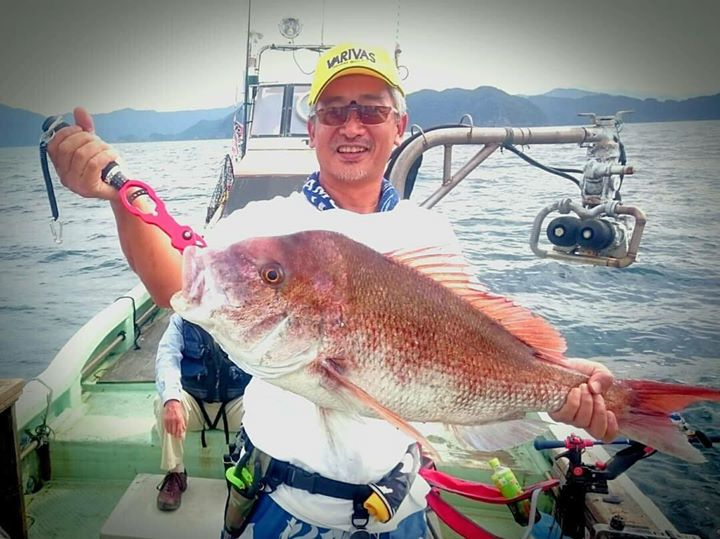 神戸在住の藤川様より釣果写真頂きました。